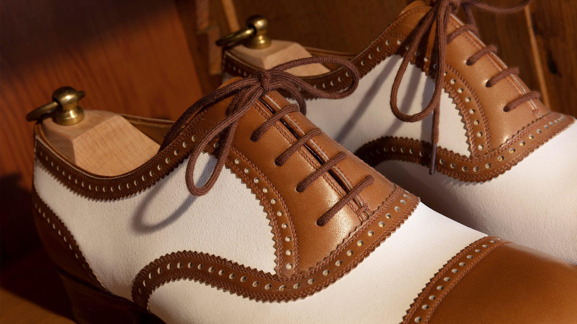 549c8640c55a2 Zapatos a medida  movilidad exclusiva en Venecia