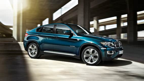 The first BMW X6 in 2008 featured the technically innovative DPC system (Dynamic Performance Control), which distributed power to the rear axle smoothly between the right-hand and left-hand wheels and thereby increased stability.