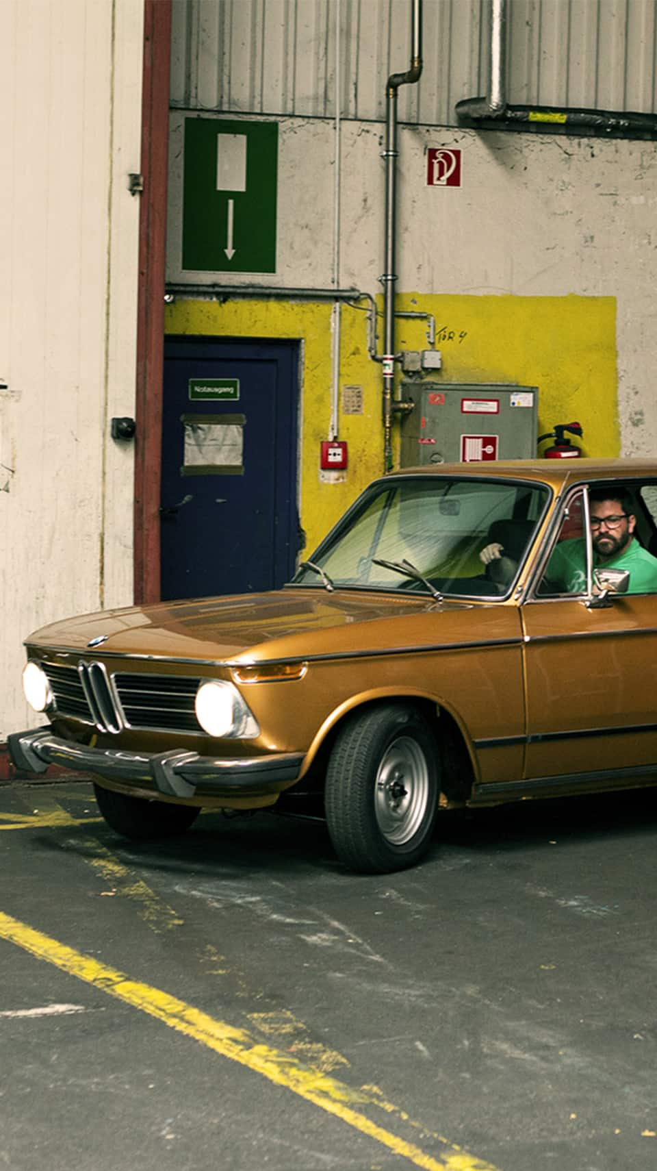 Bmw 2002 A Gold Treasure From The Orient