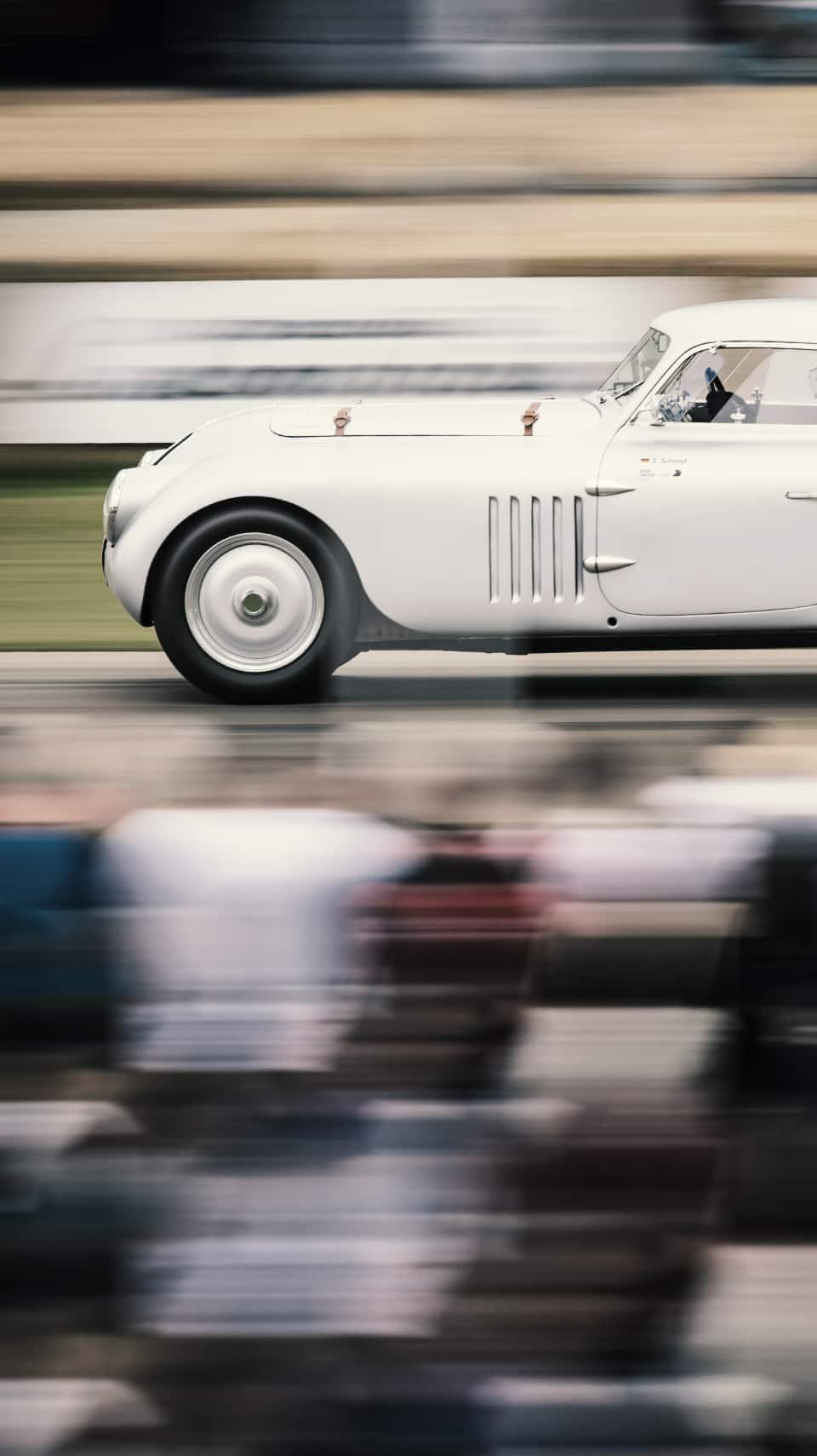 Luxusauto-Events: Luxussportwagen, exklusive Clubs und Partys